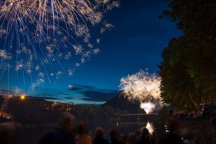 feuerwerk-am-brueckenfest2015-jpg.jpg