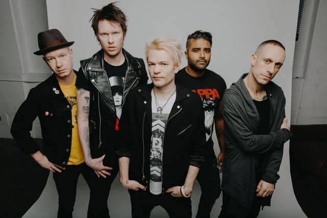 SUM 41.png